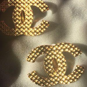 Chanel earrings clip on 4cm x 3cm
